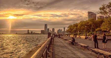 Sunset over the Battery park 新聞圖片