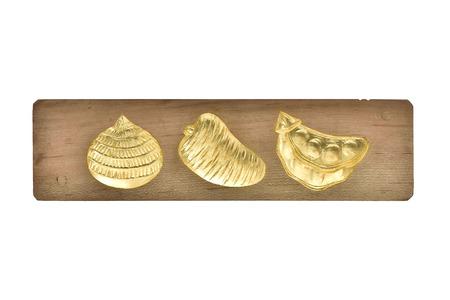 Dorare su legno frutto talpa
