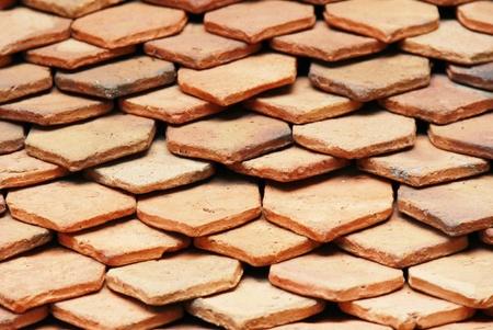 cedar shakes: viejo ladrillo rojo textura del techo