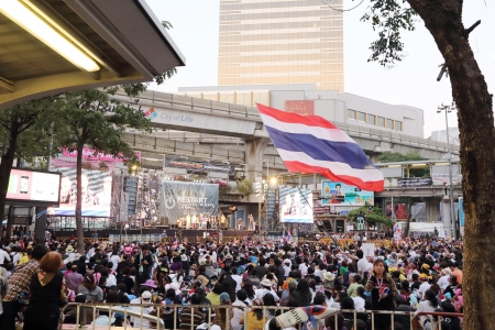 reformation: BANGKOK,THAILAND-JANUARY  14: Unidentified protesters  shut down the cityf or the reformation before election  at the Pathumwan rd. on January 14,2014 in Bangkok,Thailand. Editorial