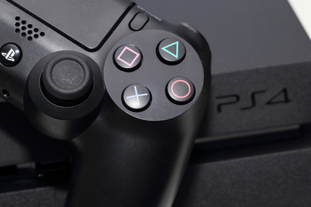 THAILAND -DECEMBER 9: the new sony dualshock 4  with PlayStation 4 taken in Bangkok Thailand on December 9,2014. 에디토리얼