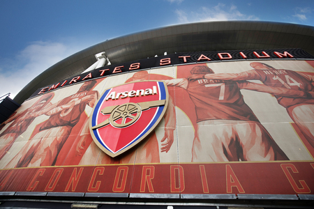London, England - MAY 5: View of The Emirates stadium, home of Arsenal Football Club on May 5, 2017. 新聞圖片