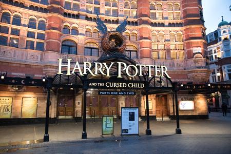 London, England - 1. Mai: Ansicht des Palast-Theaters mit Spiel von Harry Potter und dem verfluchten Kind am 1. Mai 2017.