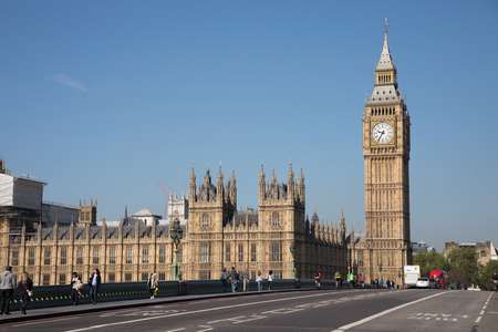 bigben: LONDON, ENGLAND - MAY 2: The Big Ben, the Houses of Parliament and Westminster Bridgeagainst blue sky in London on May 2,2017