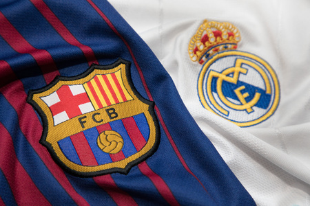 BANGKOK, THAILAND - OCTOBER 23: The Logo of Barcelona and Real Madrid on Football Jerseys on October 23 ,2017  in Bangkok Thailand. 報道画像