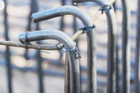 Fil en acier utilisé pour la fixation d'acier pour la construction. Banque d'images - 75073729