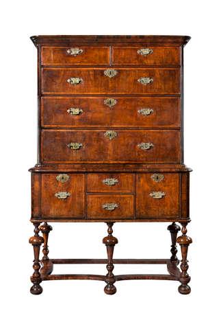 grabado antiguo: vieja cómoda de madera antiguo o cómoda en soporte del Inglés Europea, Foto de archivo