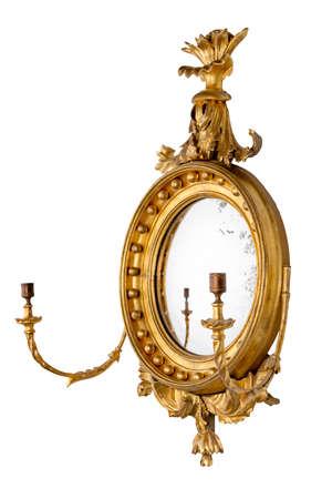 Specchio da sala rotondo dorato antico convesso con portacandele e specchiera originale con percorso a clip Archivio Fotografico - 83668674