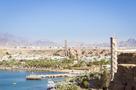 el sheikh: SHARM EL SHEIKH, EGYPT - FEBRUARY 20, 2014: February day in Sharm-El-Sheikh, the red sea coast from the height of the hotel beach Albatros resort, Sharm El Sheikh, Egypt Editorial