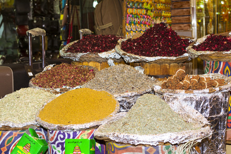 variability: SHARM EL SHEIKH, EGYPT - FEBRUARY 22, 2014: Colorful Seamless texture with food spices and herbs, spice market, Sharm El Sheikh, Egypt Editorial