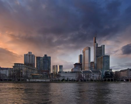 to other side: Panorama of evening Frankfurt from other side of Main Stock Photo