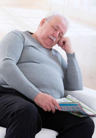 altos hombre obeso Tener una siesta