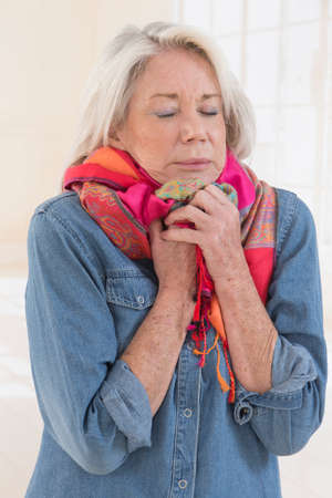 cold sore: Sick woman coughing with sore throat