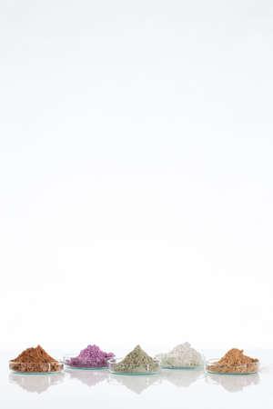 Schlamm vom Toten Meer in einer Schüssel für die kosmetische Anwendung Standard-Bild
