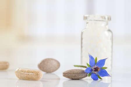 homeopatia: Botellas de borraja de gl�bulos de homeopat�a