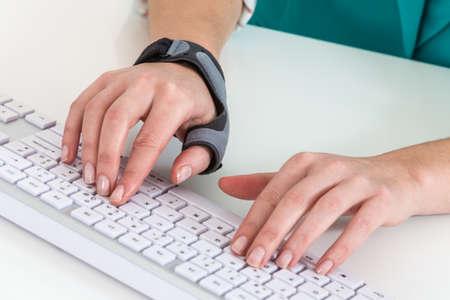 splint: Wrist protection to avoid pain