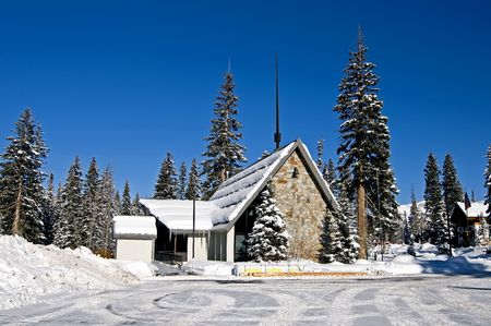 Church in Wasatch Mountains with Snow Stockfoto