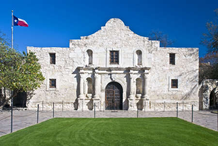 battleground: Main entrance to the Alamo in San Antonio Texas