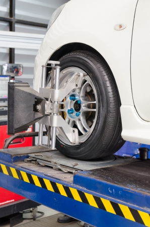 Stand balancing of wheels photo