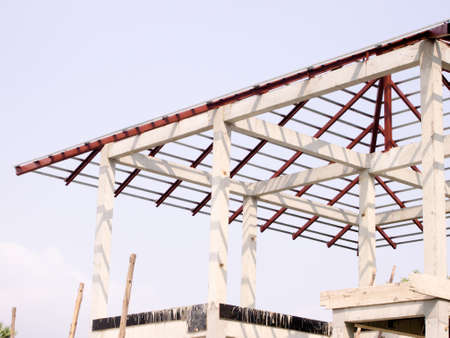 roof framing: New residential construction home roofing