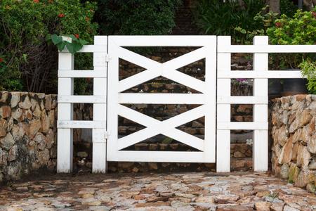 garden gate: White wooden garden gate