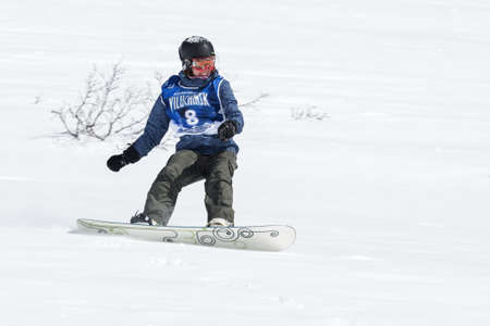 pictures-of-girl-snowboarders