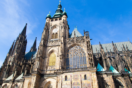 The St. Vitus cathedral in Prague Castle in Prague, Czech Republic  Imagens