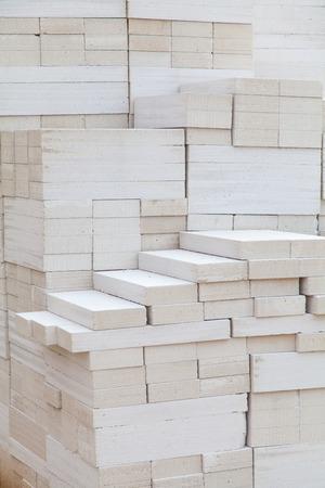 bloque de hormigon: Espuma de bloques de concreto en el sitio de construcci�n Foto de archivo