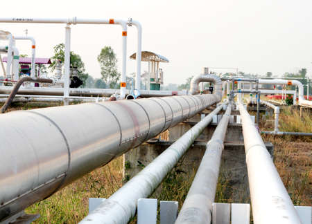 distances: Pipeline transportation Oil, natural gas or water on long distances