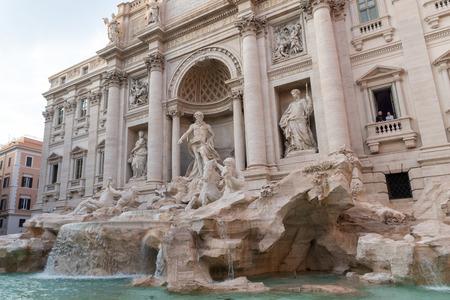 Fuente de Trevi (Fontana di Trevi) en Roma, Italia
