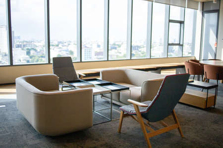 Bangkok, Thailand - June 2020 : Area of True digital park Co-Working Space on social distancing with luxury comfortable design for work as free and relax. Concept of creative cooperate work space. 免版税图像 - 157305791