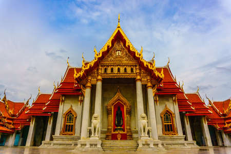Wat Benchamabophit Dusitvanaram hermoso templo en Bangkok, Tailandia - Paisaje Foto de archivo