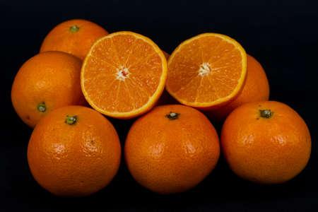 biopsia: La biopsia de la naranja en fondo negro