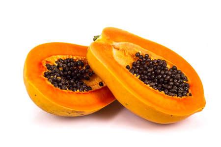 papaya in sfondo bianco
