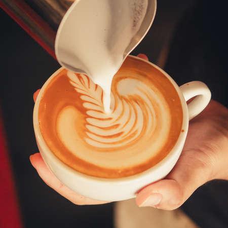 capuchinos: café latte art