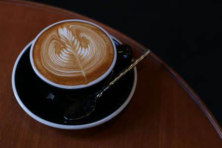 coffee latte art in coffee shop cafe 版權商用圖片 - 101307041