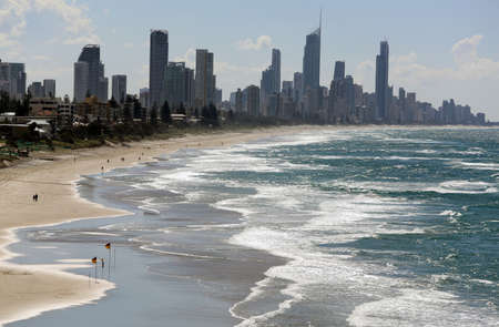 surfers: Surfers Paradise Beach