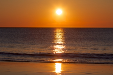 Amazing sunset over the German North Sea, shot from a beach on Sylt island Standard-Bild