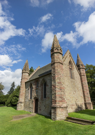 stone of destiny: Chapel on Moot Hill where all Scottish kings and queens have been crowned at the Stone of Destiny