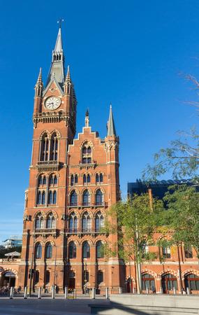 edwardian: London St. Pancras railway station, a beautiful red brick wall building Stock Photo