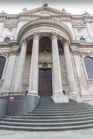 Door and columns of world famous St.  Pauls Cathedral, London Stock Photo