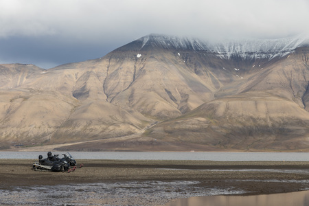 View over beautiful Adventdalen, a jjord and valley in the arctic tundra of Svalbard or Spitsbergen, northern Norway Stock Photo