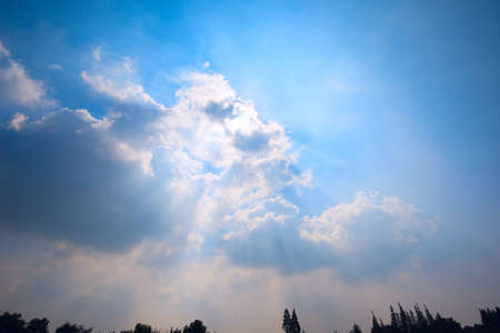 light transmission: blue sky and white clouds