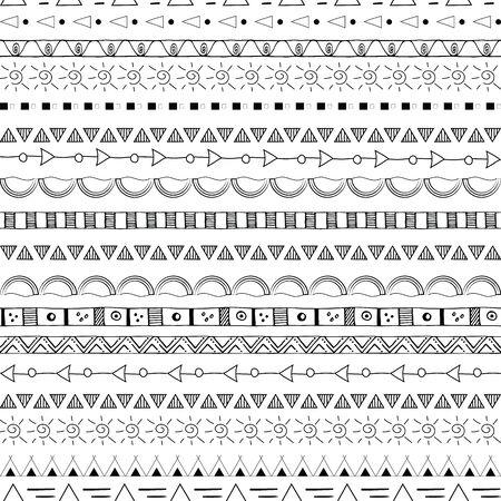 Modèle sans couture tribal dessiné à la main noir sur fond blanc.