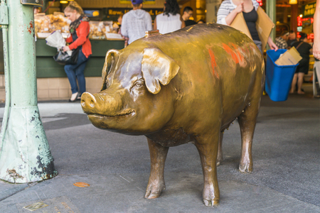 bronze pig at pike place market,Seattle,Washington,usa. -for editorial use only. Editorial