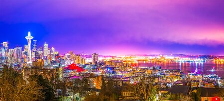 scenic view Seattle cityscape in the night time,Washington,USA. Foto de archivo