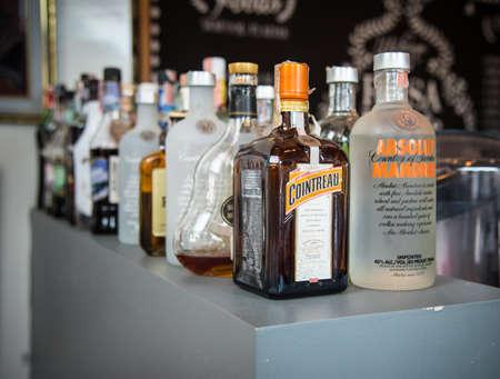 """CHIANG RAI, TAILÂNDIA - 26 de maio de 2017: Álcool e licor para o jantar no hotel """"bebida, nenhuma movimentação"""""""