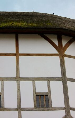 Shakespeare Globe Theatre edificio in stile medievale photo