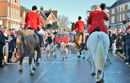 weald: Huntsman ready for the fox hunt on horses with crowd
