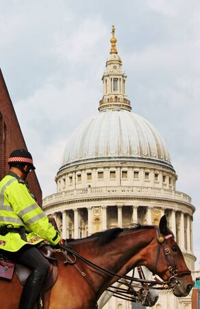 St Pauls Cathedral and police horse